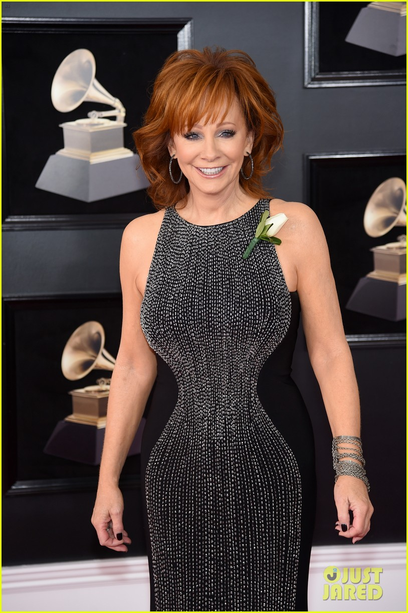 Reba Mcentire Is An Early Winner At Grammys 2018 Photo