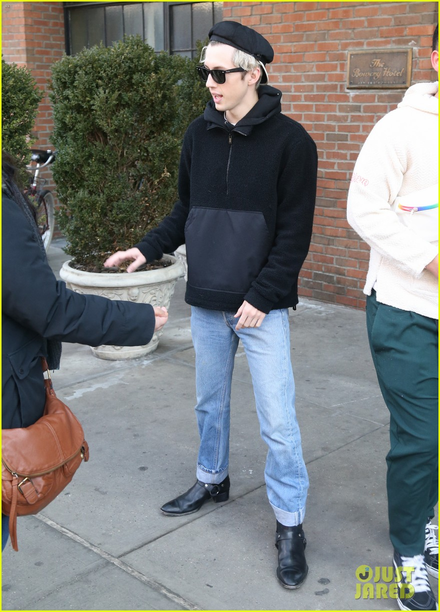 troye sivan and boyfriend jacob bixenman step out in nyc 084020659