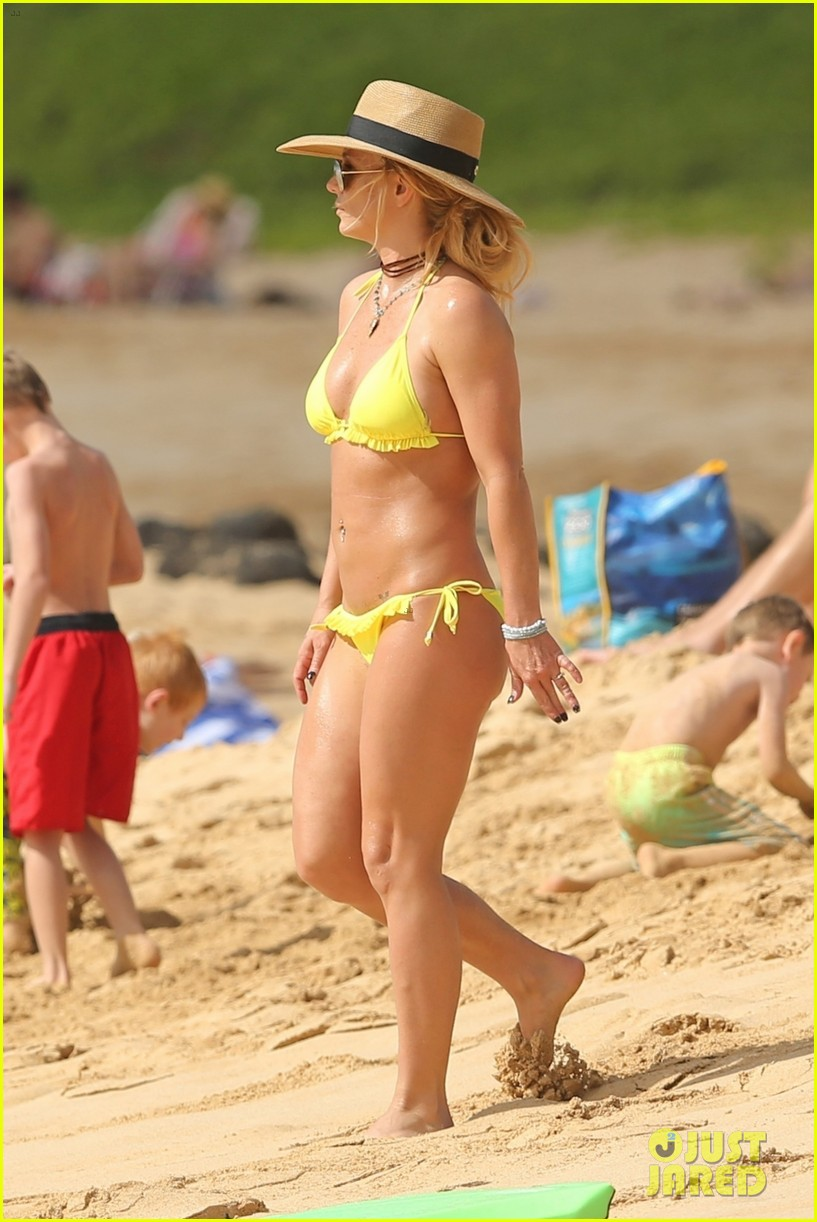 britney spears hits the beach in hawaii in a yellow bikini 334014032
