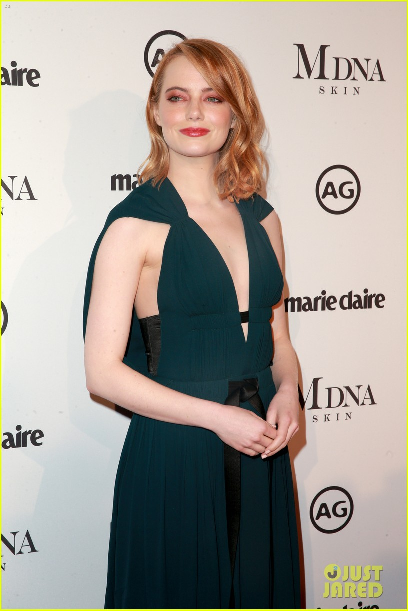 emma stone goes glam in green for marie claire image makers awards 034013474