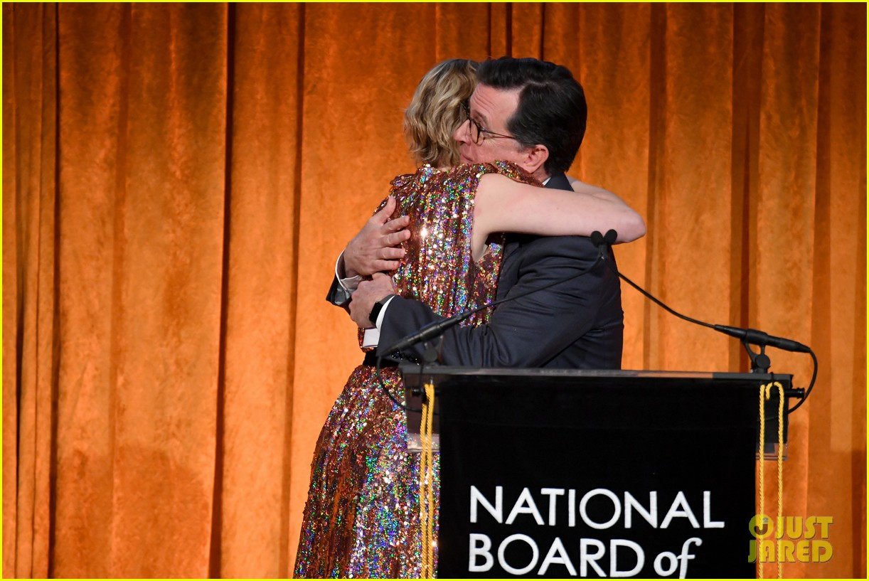 meryl streep kisses robert de niro while being honored at nbr awards 234012034