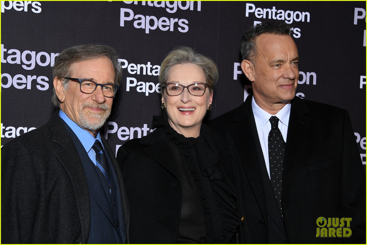 meryl streep tom hanks premiere the post in paris 014014252