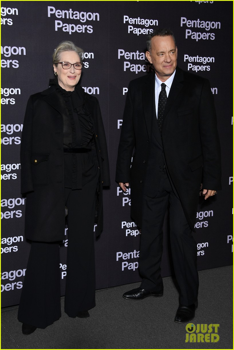 meryl streep tom hanks premiere the post in paris 034014254