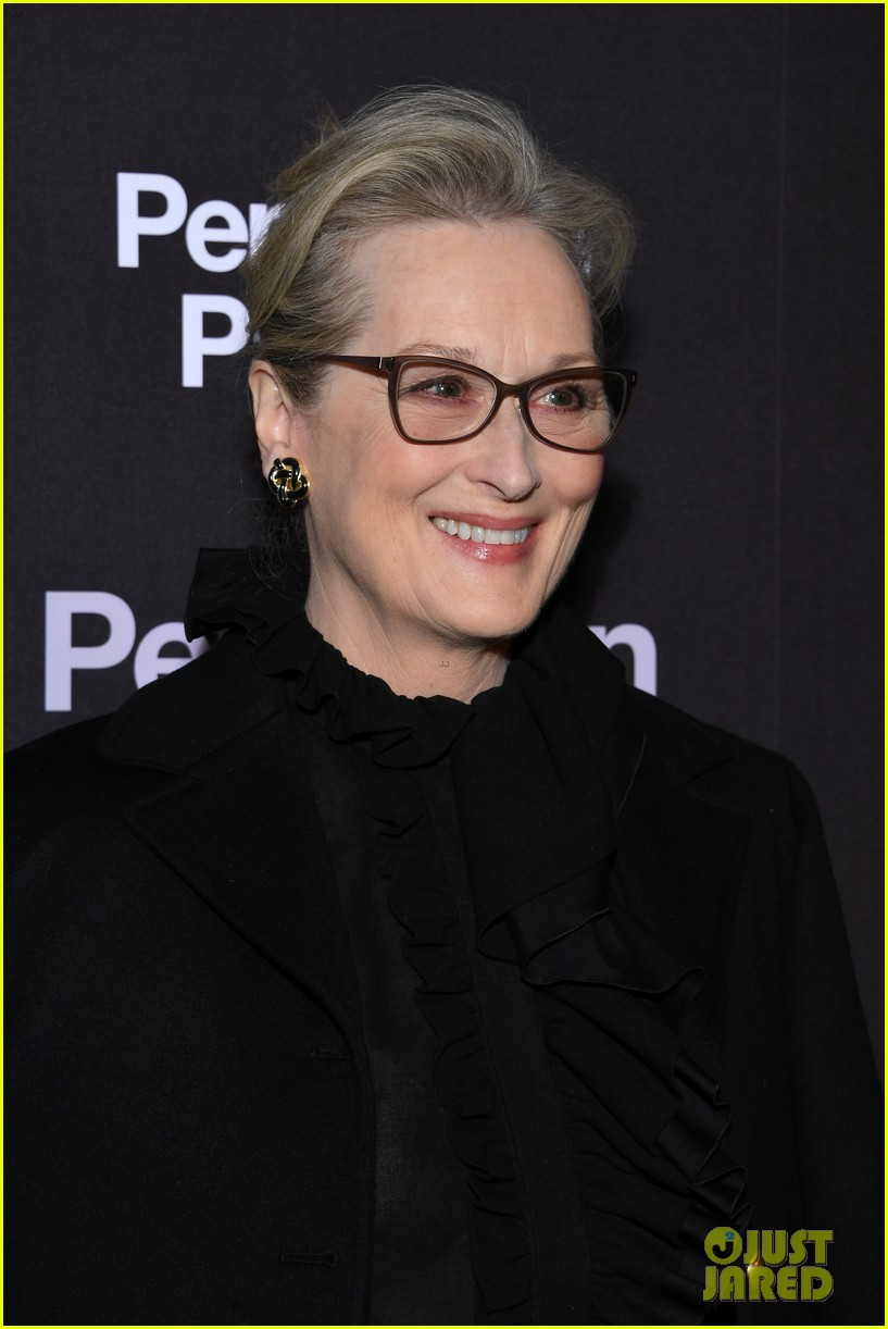 meryl streep tom hanks premiere the post in paris 054014256