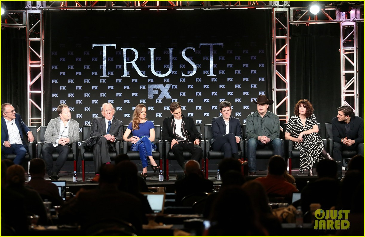 hilary swank and donald sutherland join trust co stars at winter tca press tour 2018 014008358
