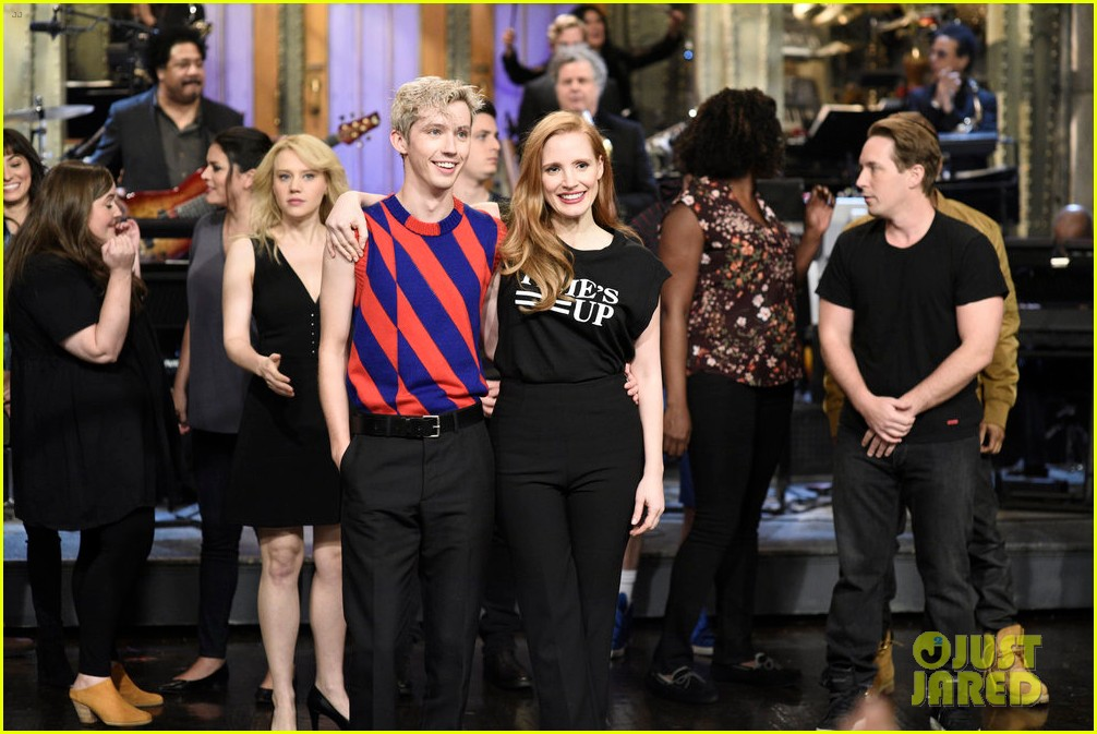 troye sivan performs new songs on saturday night live 034018147