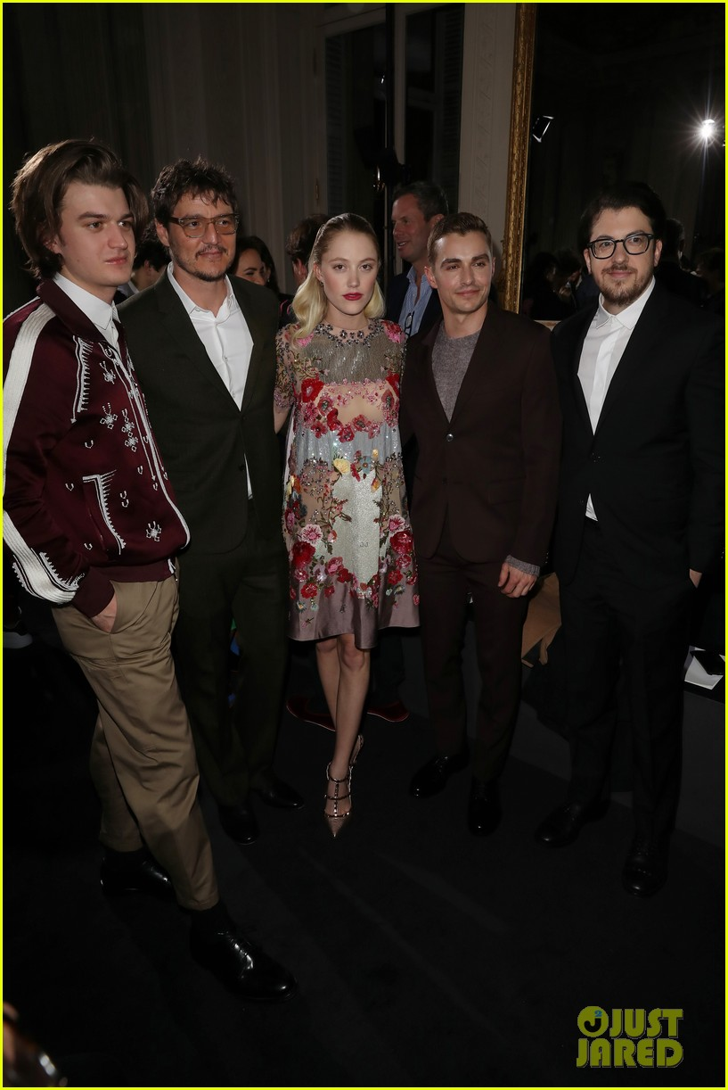 joe keery and maika monroe join mark ruffalo and dave franco at valentino show 034016044