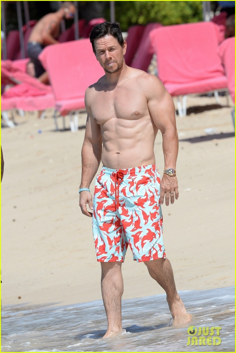 mark wahlberg flaunts chiseled abs on new years day stroll in barbados 064006534