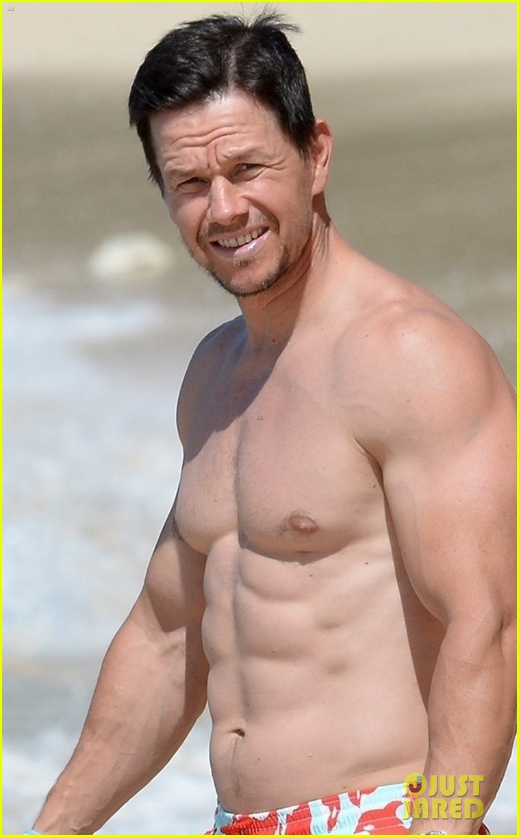 mark wahlberg flaunts chiseled abs on new years day stroll in barbados 074006535