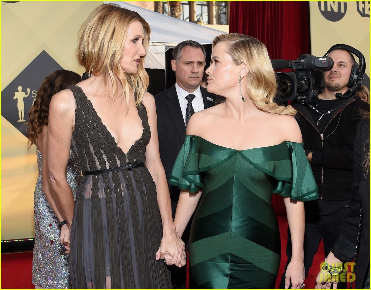 Reese Witherspoon Joins Alexander Skarsgard Laura Dern At Sag