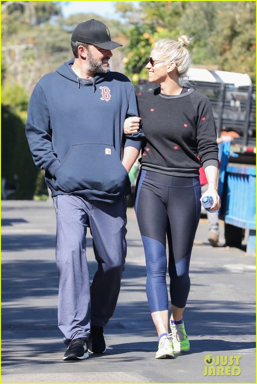 ben affleck and girlfriend lindsay shookus look smitten on morning walk 044034445