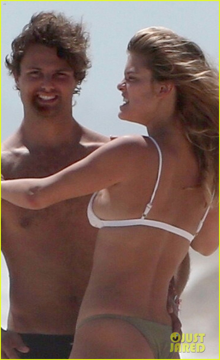 nina agdal jack brinkley cook flaunt pda in mexico 034037716