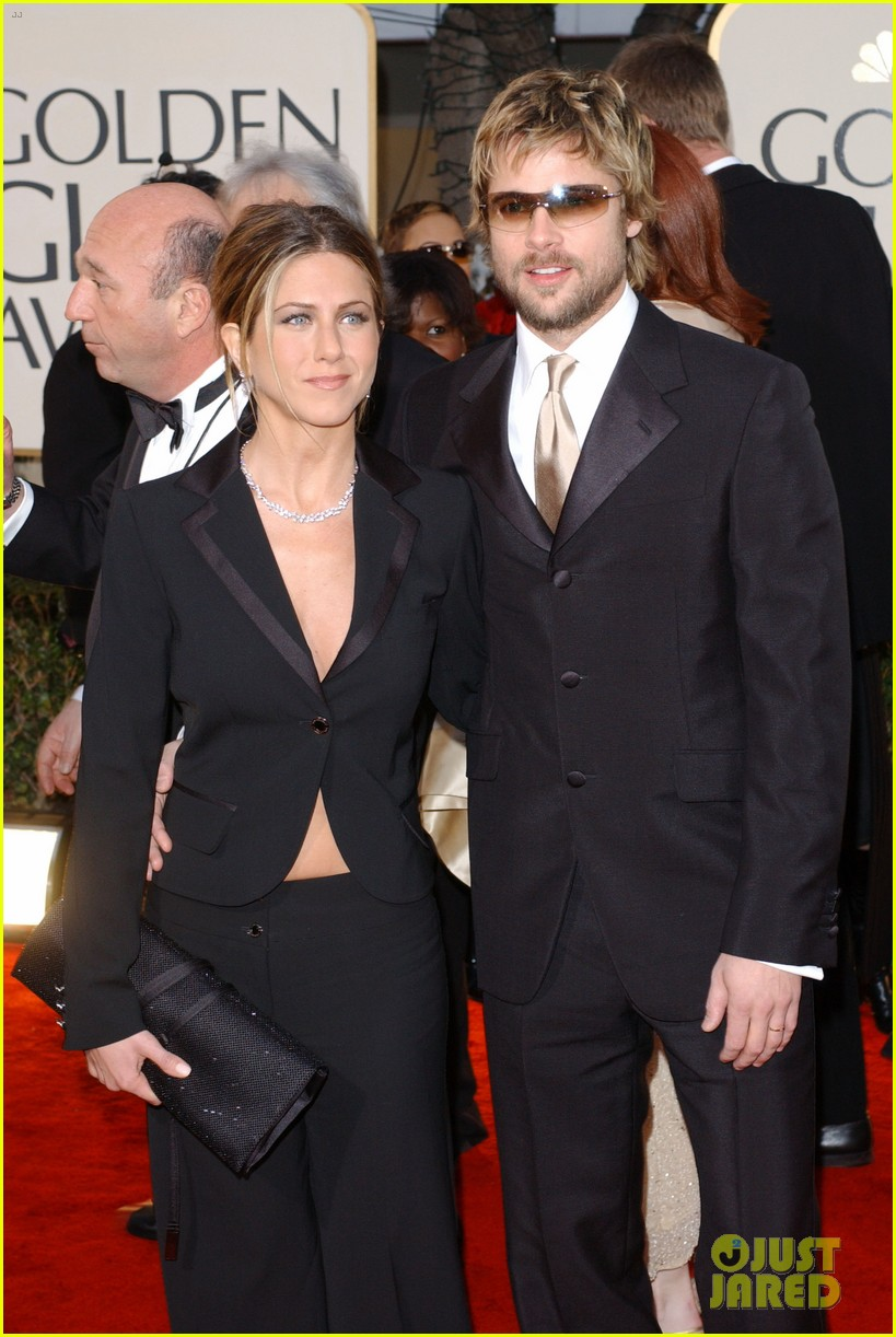 jennifer aniston brad pitt are both single 054034092