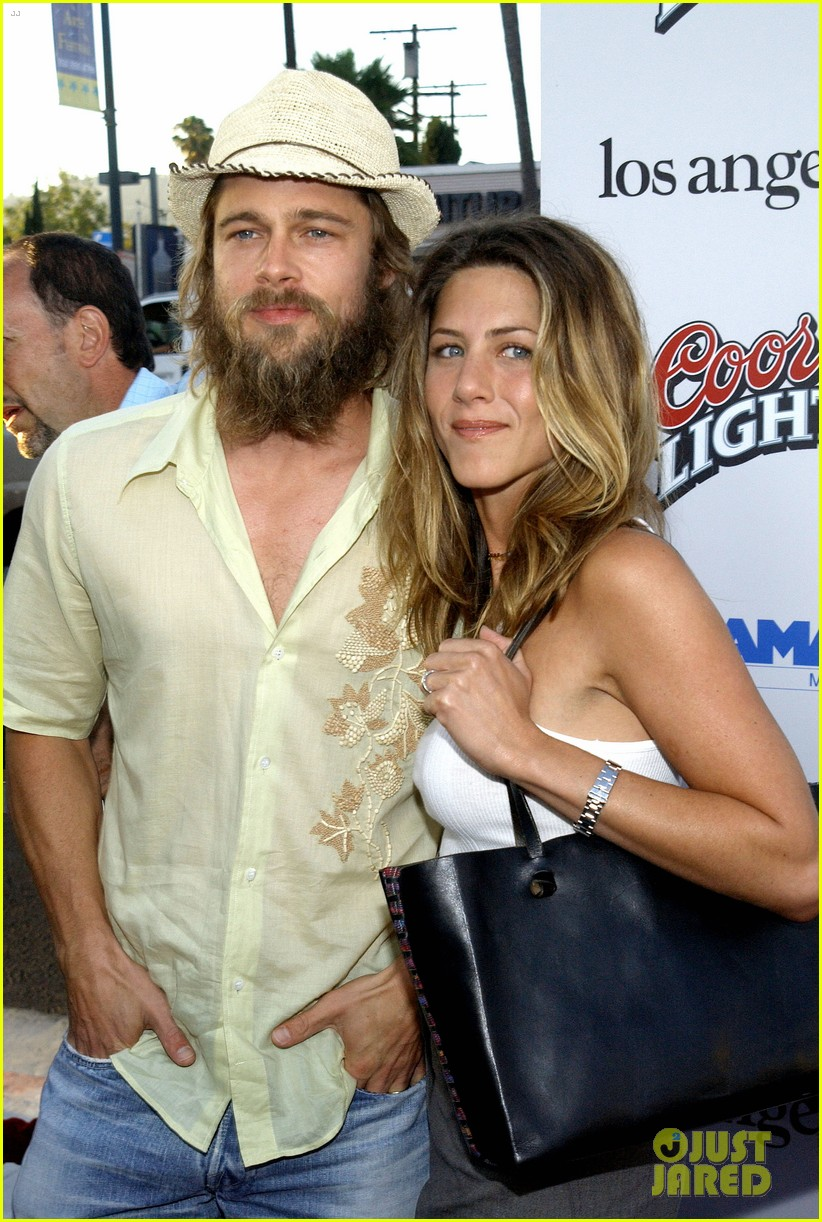 jennifer aniston brad pitt are both single 064034093