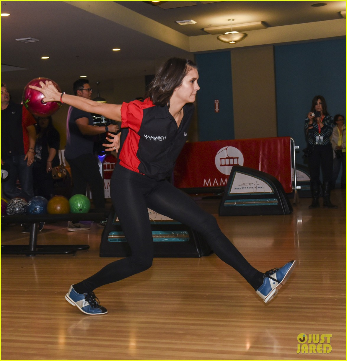Former CW Stars Nina Dobrev & Tom Welling Battle It Out At