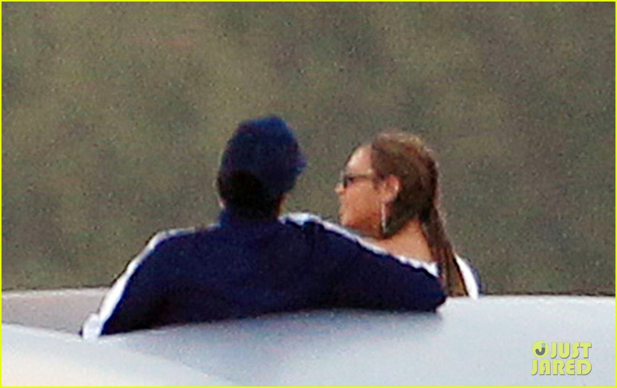 beyonce jay z date yacht miami 024032191