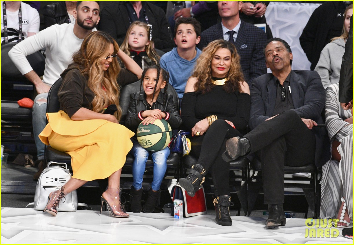 beyonce blue ivy all star game 024035470