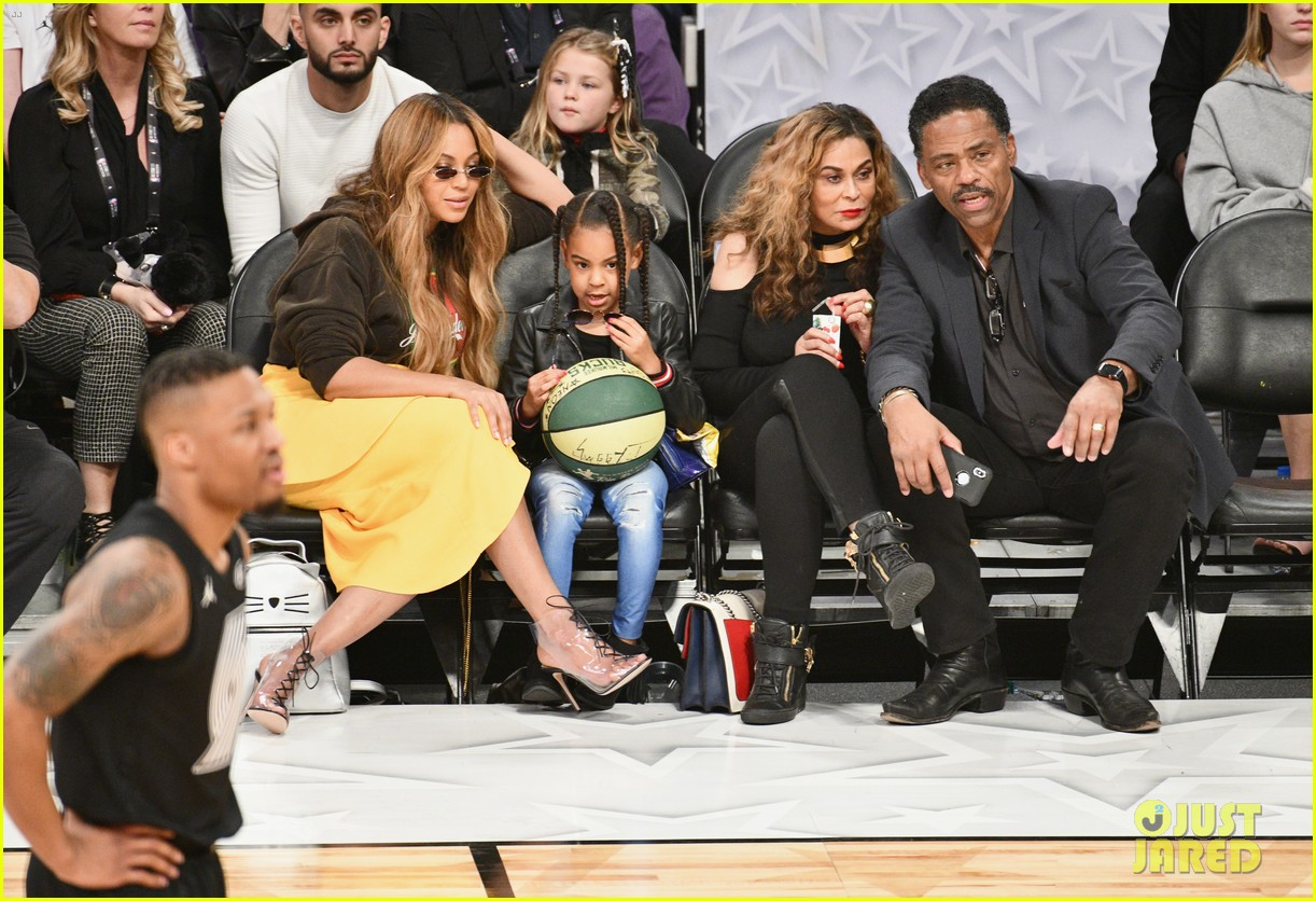 beyonce blue ivy all star game 034035471