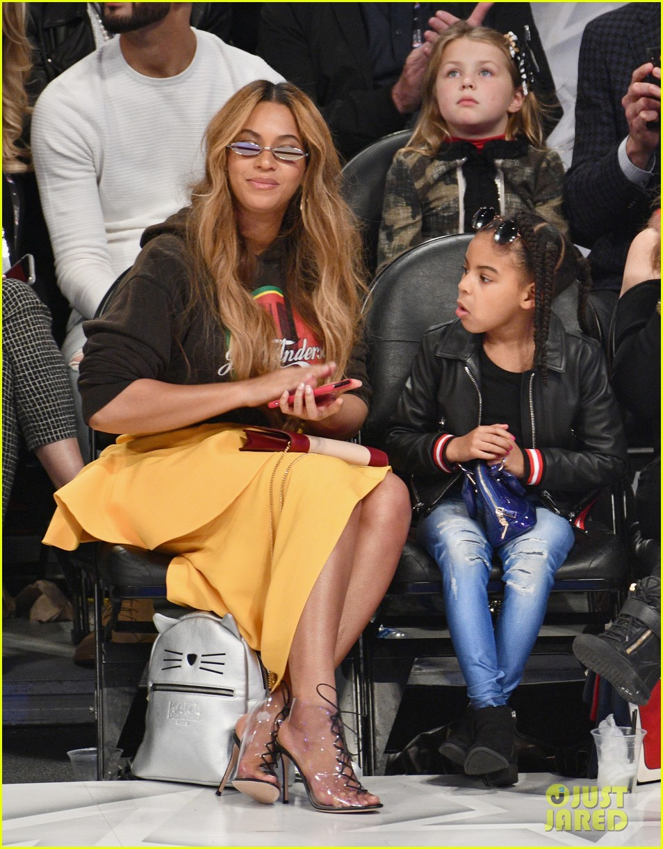 beyonce blue ivy all star game 054035473