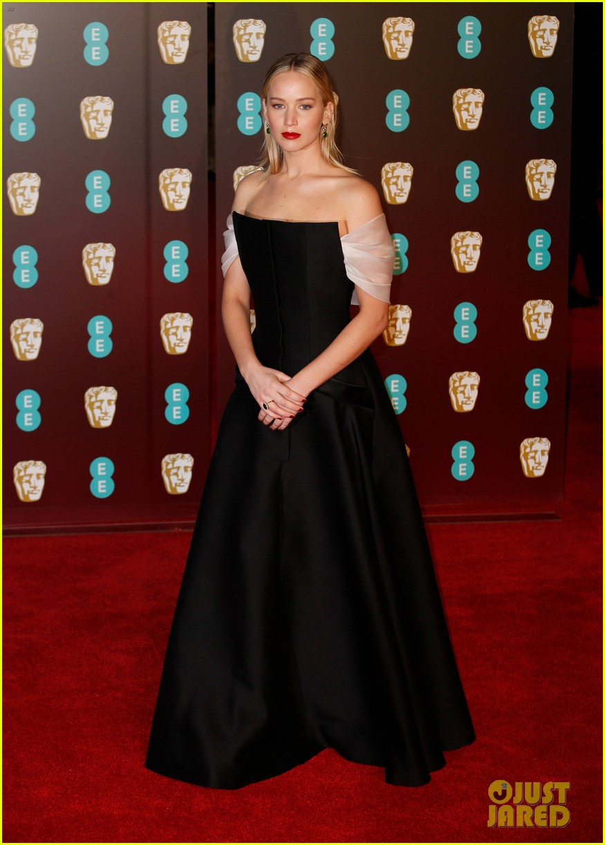 celebrities wearing black baftas 014035128
