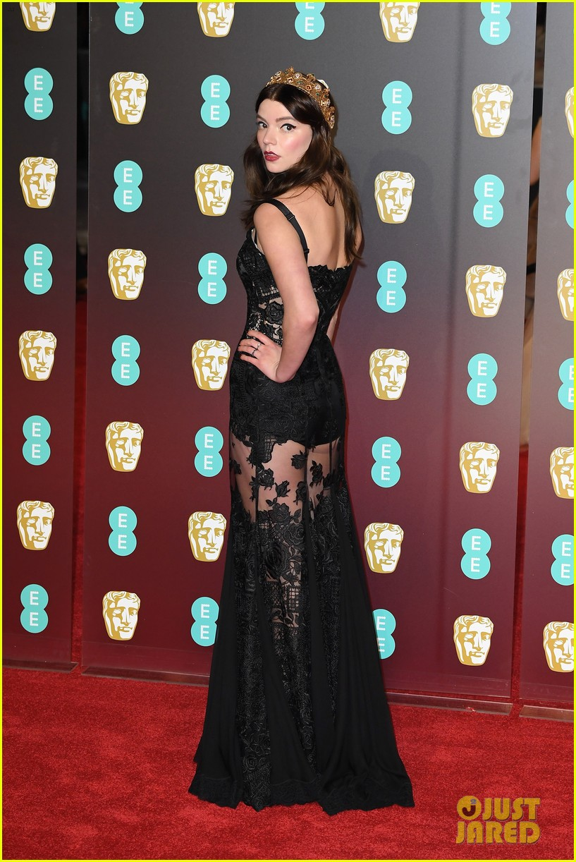celebrities wearing black baftas 064035133