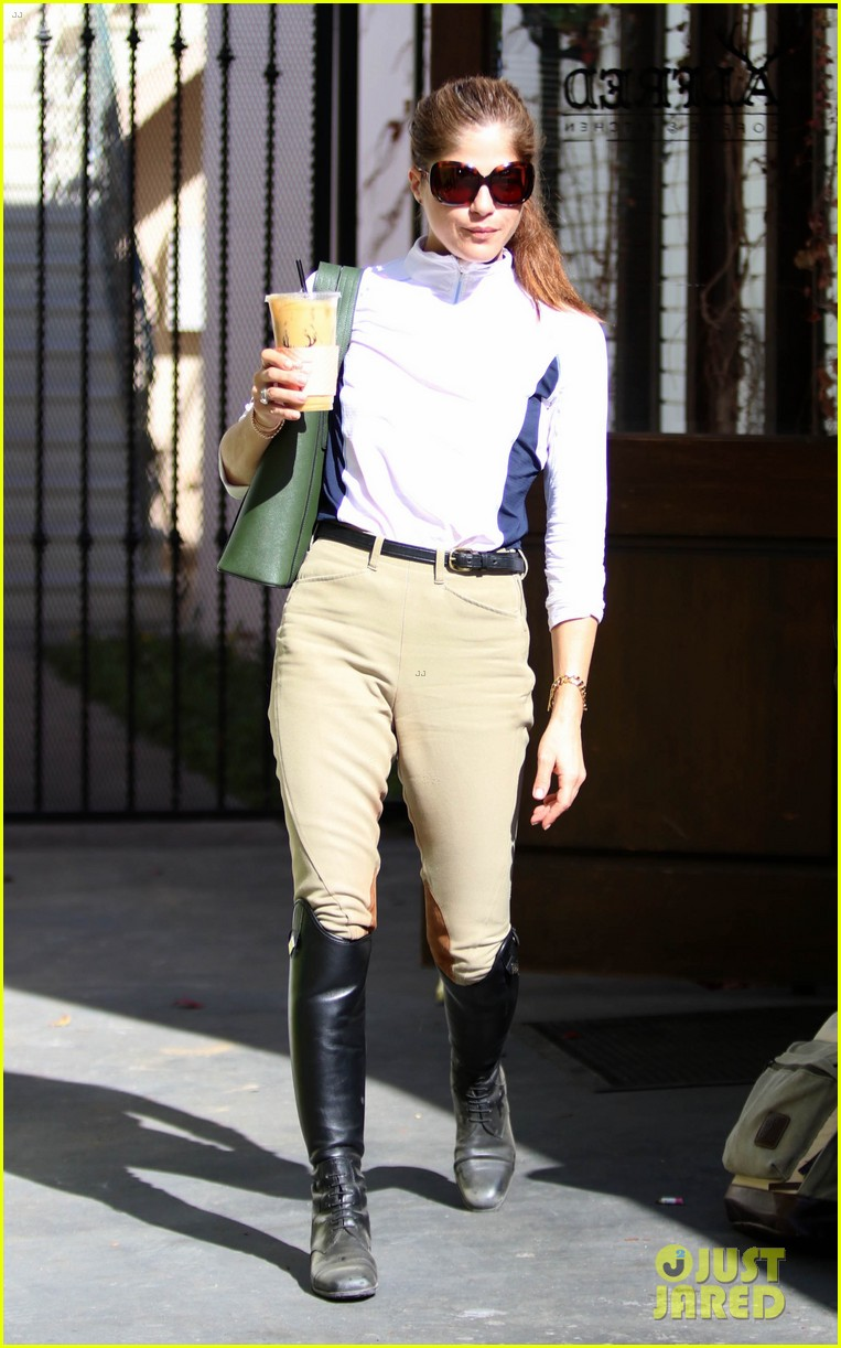 selma blair kicks off her day at the horse stables 074025287