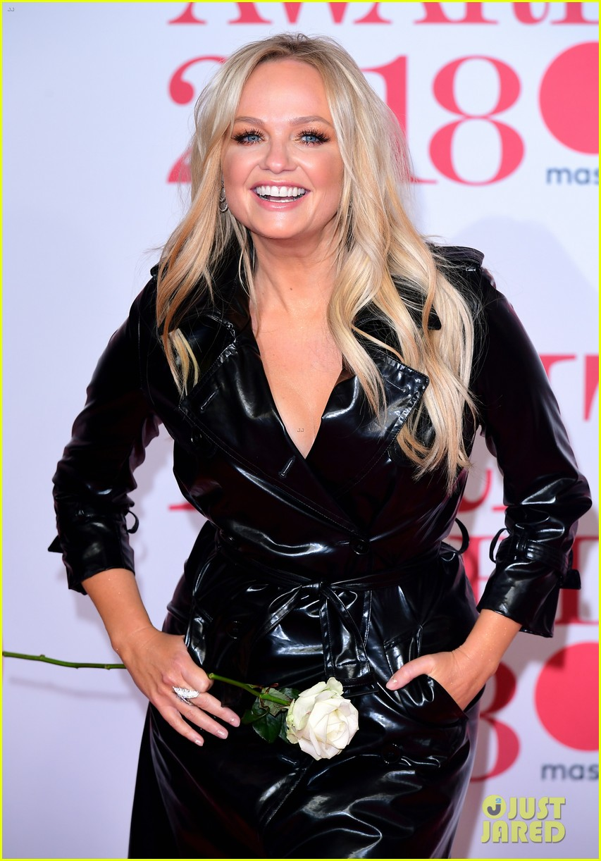Emma Bunton Amp Kylie Minogue Trench It Out On Red Carpet At