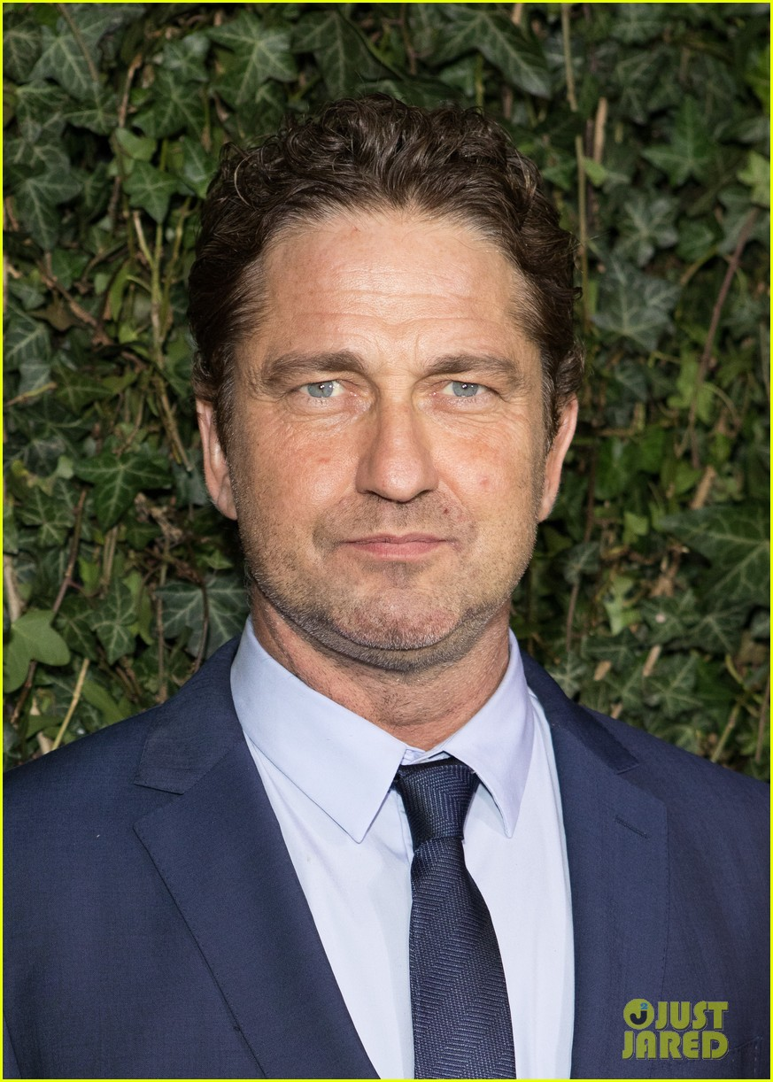 gerard butler suits up for chanel pre bafta party 024034912