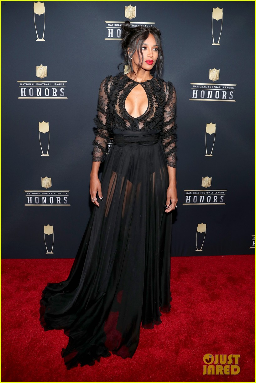 ciara amp russell wilson make one hot couple at nfl honors