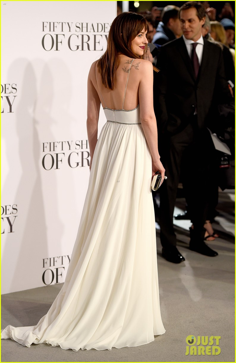 dakota johnson fifty shades red carpet moments 054039322