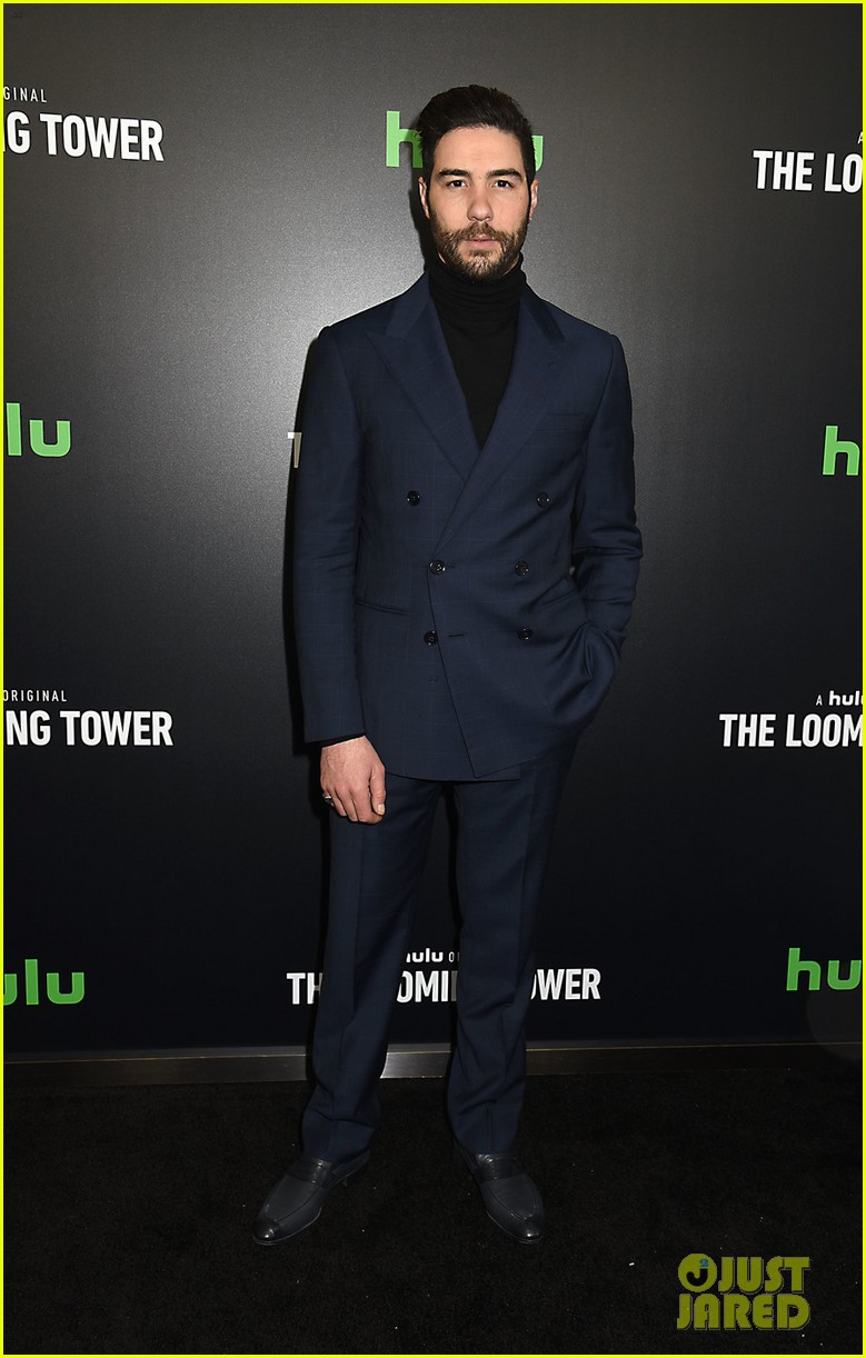 jeff daniels peter sarsgaard michael stuhlbarg the looming tower series premiere 174034384