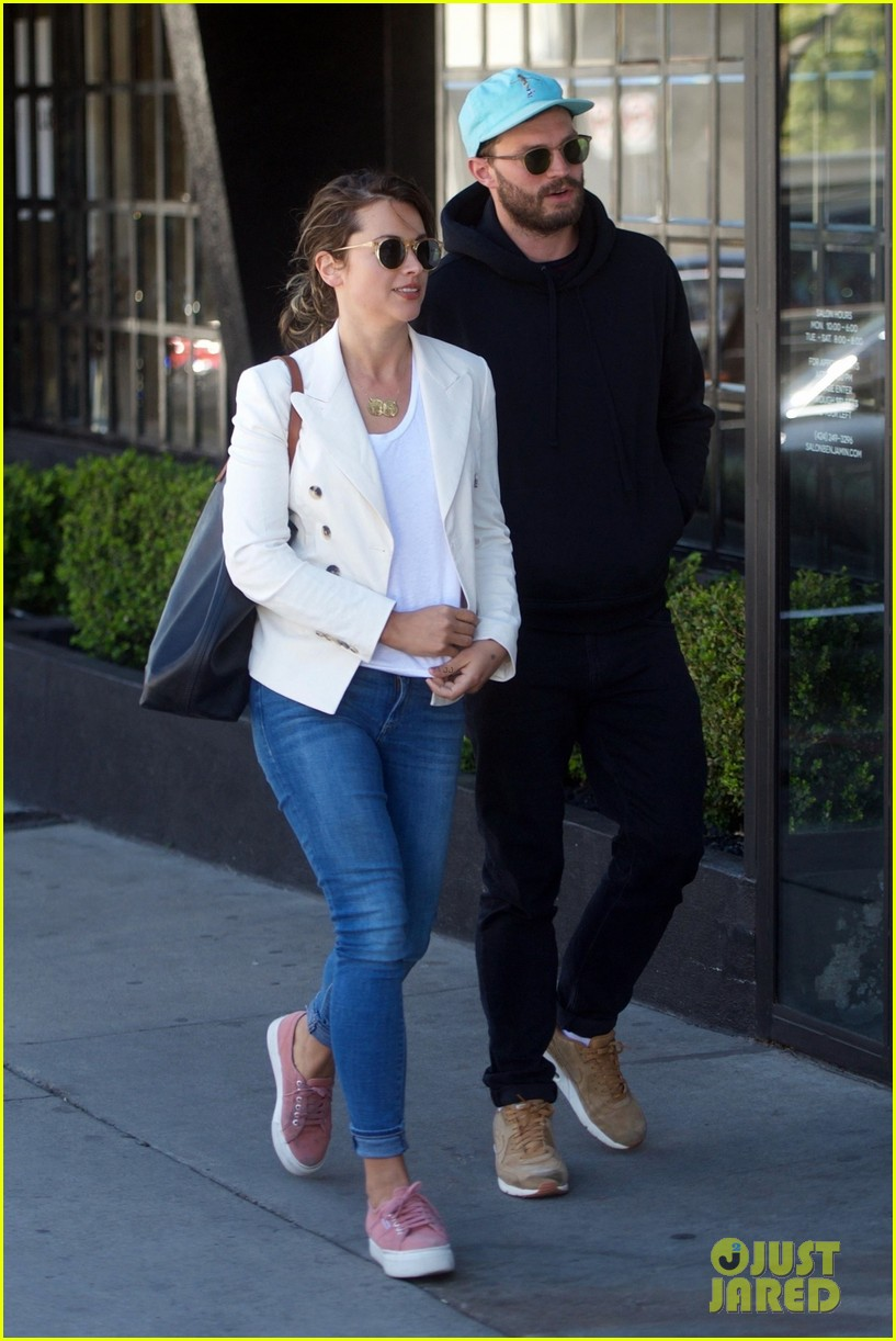 jamie dornan wife amelia warner kick off weekend with shopping 044038227