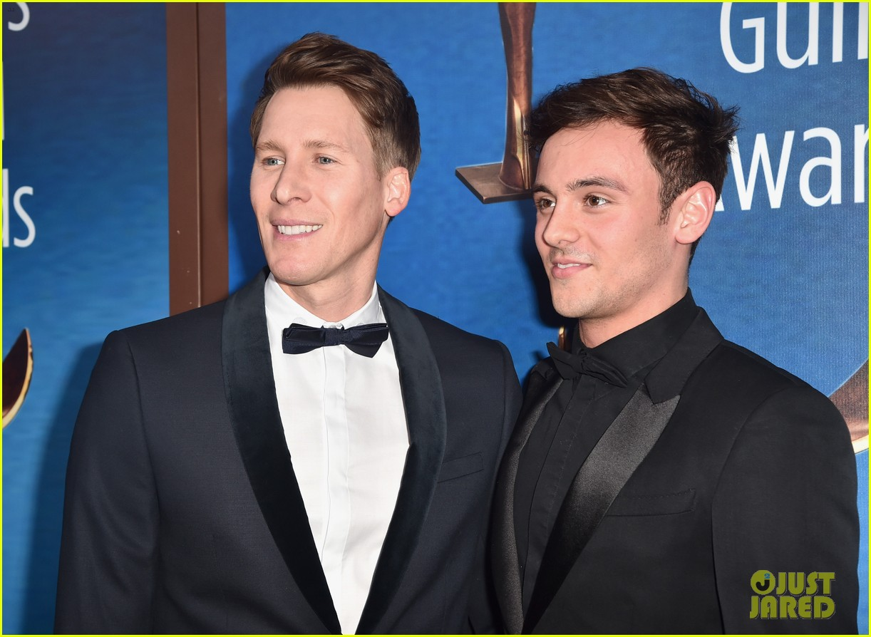dustin lance black tom daley wga 2018 014031434