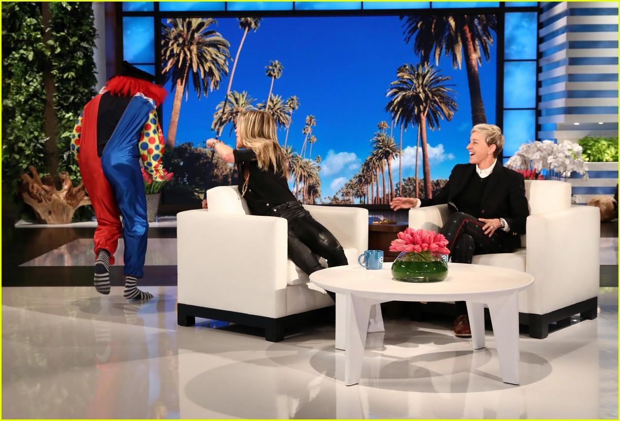 Jennifer aniston talks potential 39 friends 39 reunion on 39 ellen 39 watch now photo 4026000 - Ellen show address ...