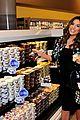 eva longoria pregnant shopping 01