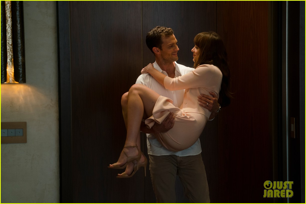 fifty shades freed stills dakota johnson jamie dornan 024038469