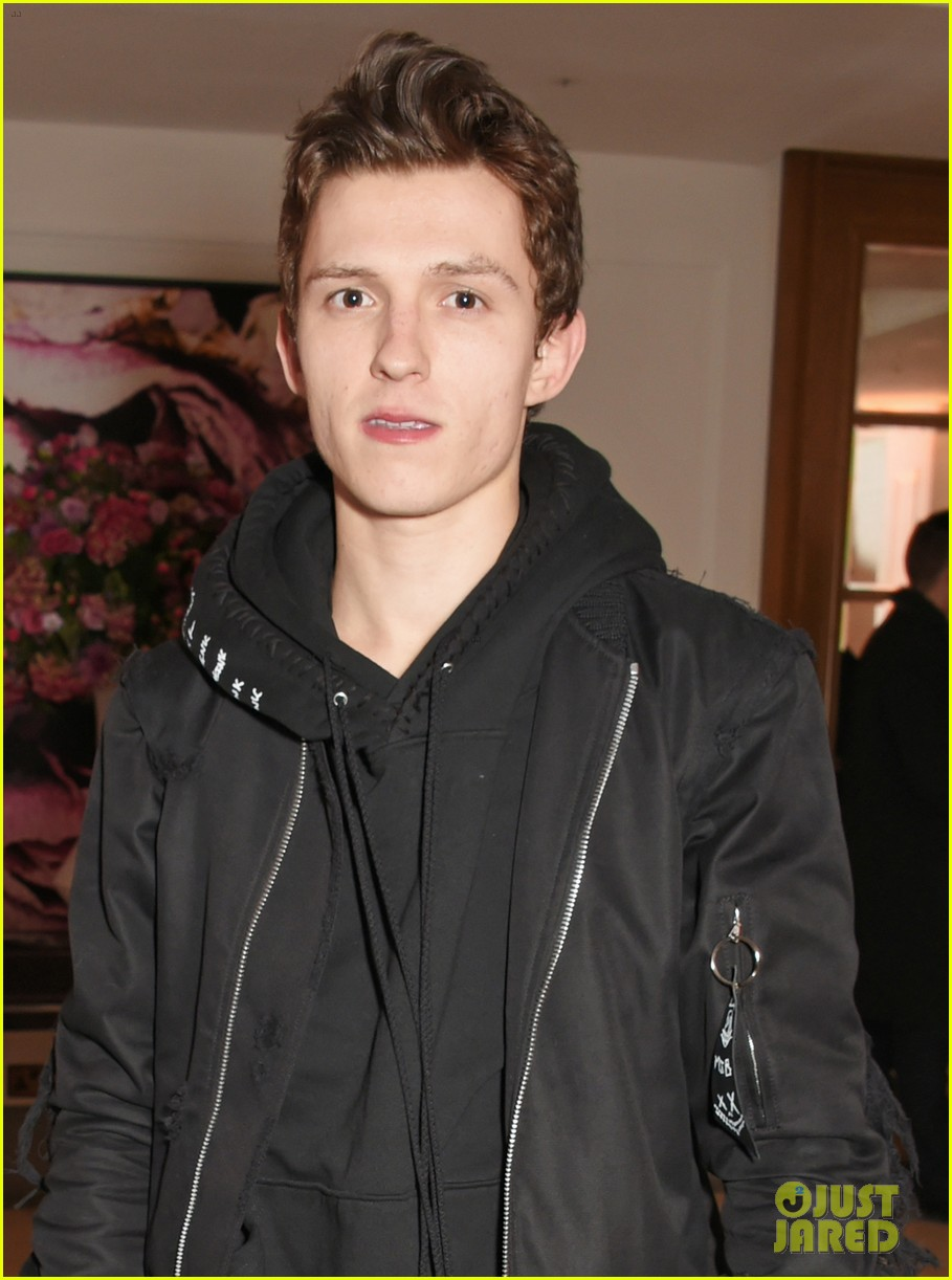 Tom Holland Steps Out For Gq Car Awards 2018 See The