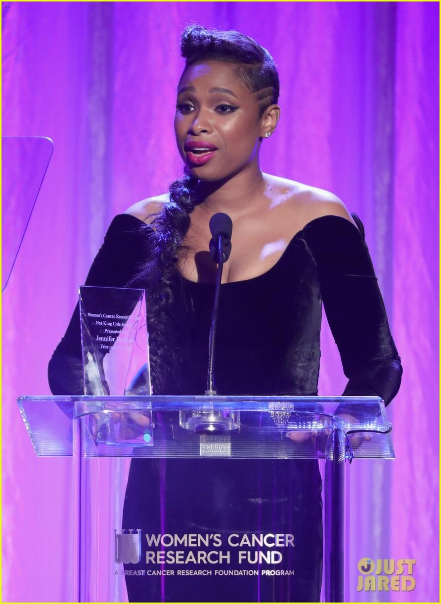 jennifer hudson belts her acceptance speech at wcrfs an unforgettable evening 014040791