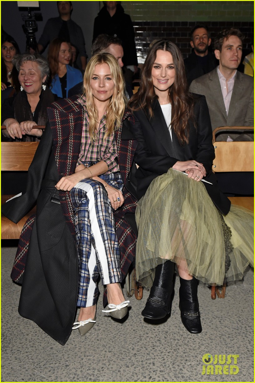 lily james keira knightley zendaya go glam for burberry fashion show 014034873