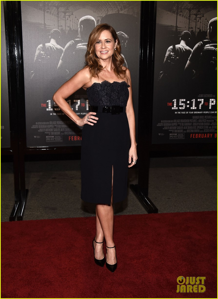 jenna fischer premieres 15 17 to paris 024028424