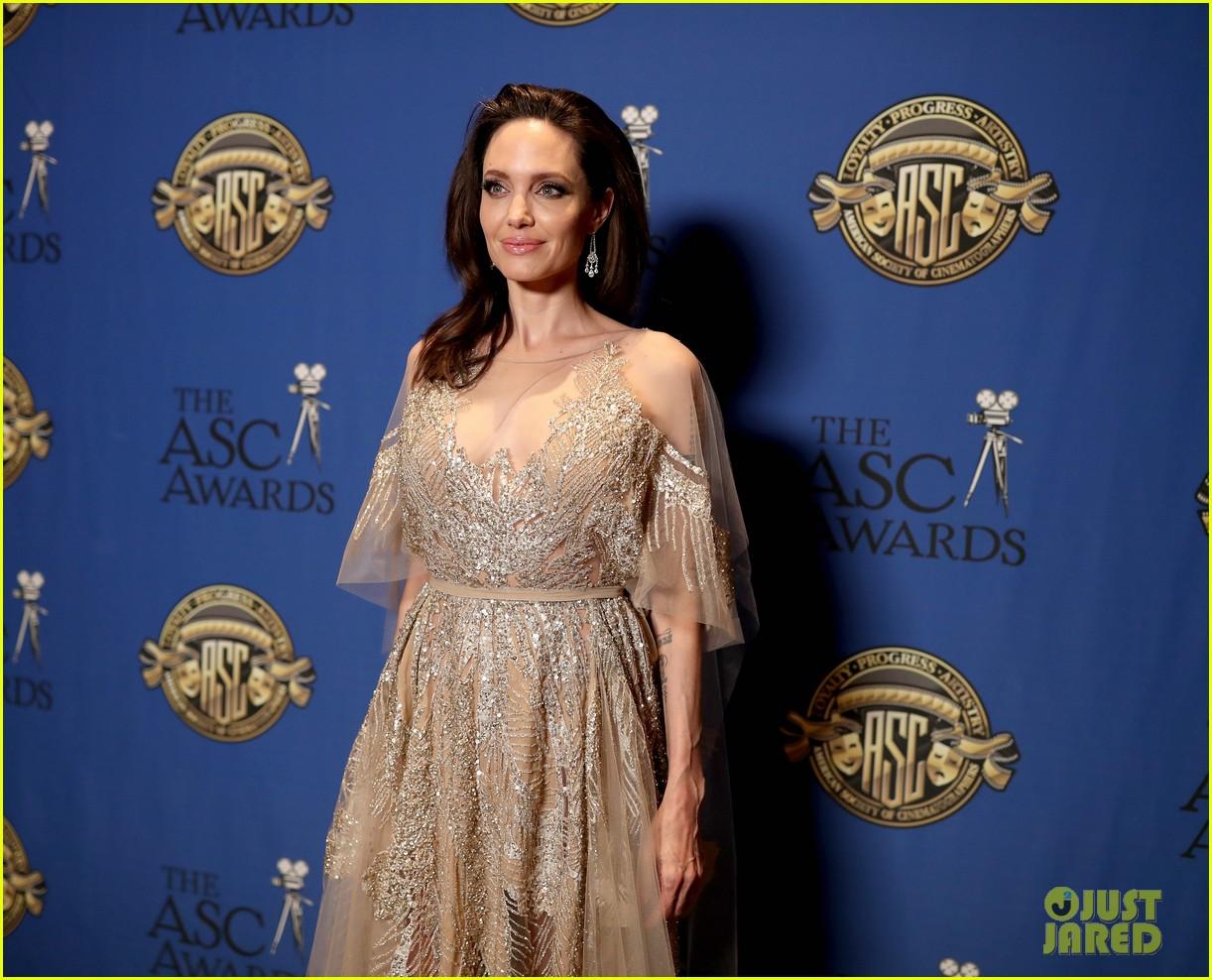 angelina jolie shines at cinematographers awards 054034901