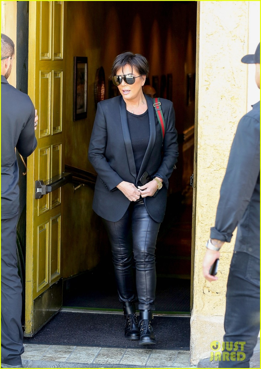 kim kardashian wears form fitting clothes for lunch with family 174033975