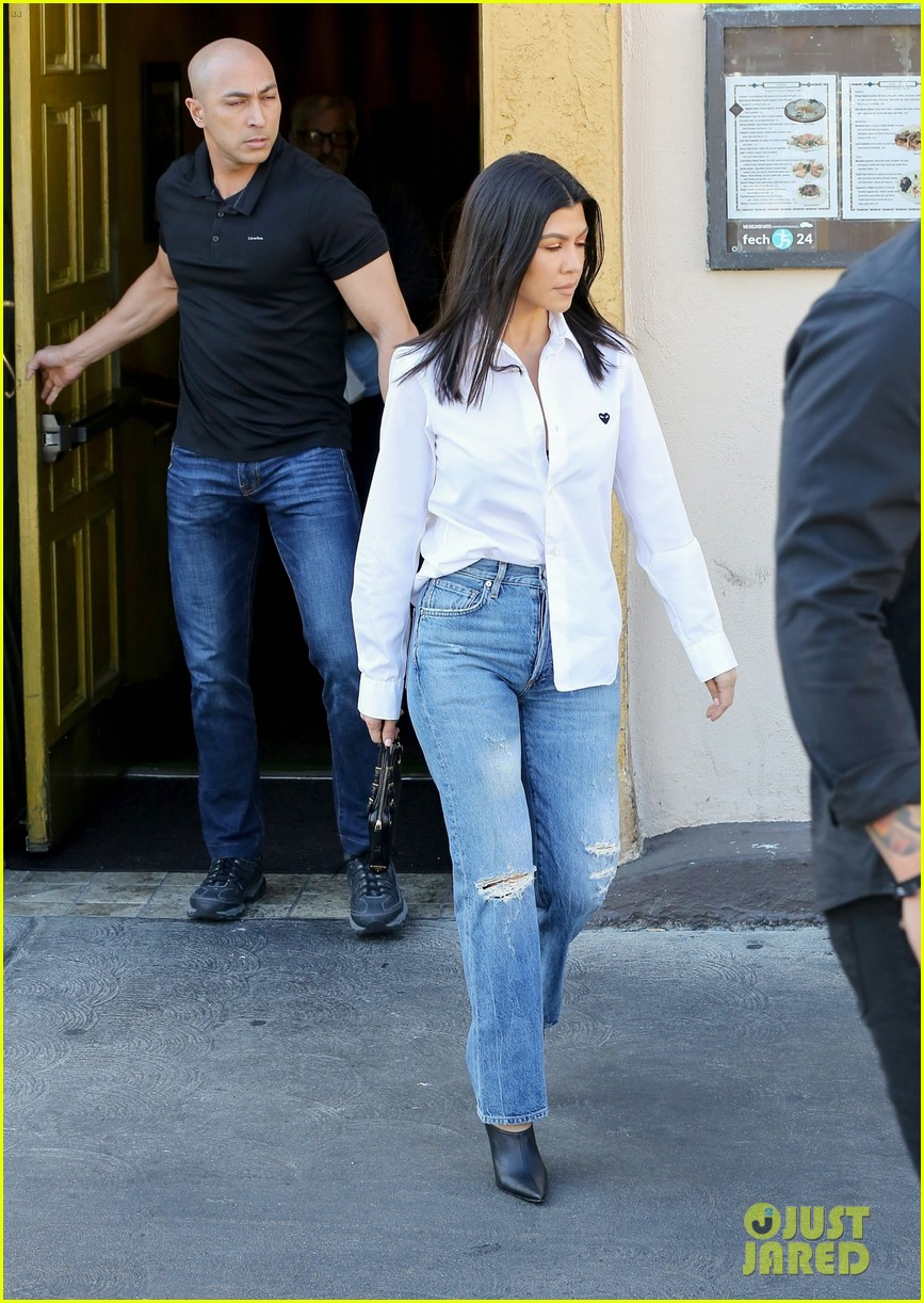 kim kardashian wears form fitting clothes for lunch with family 324033990