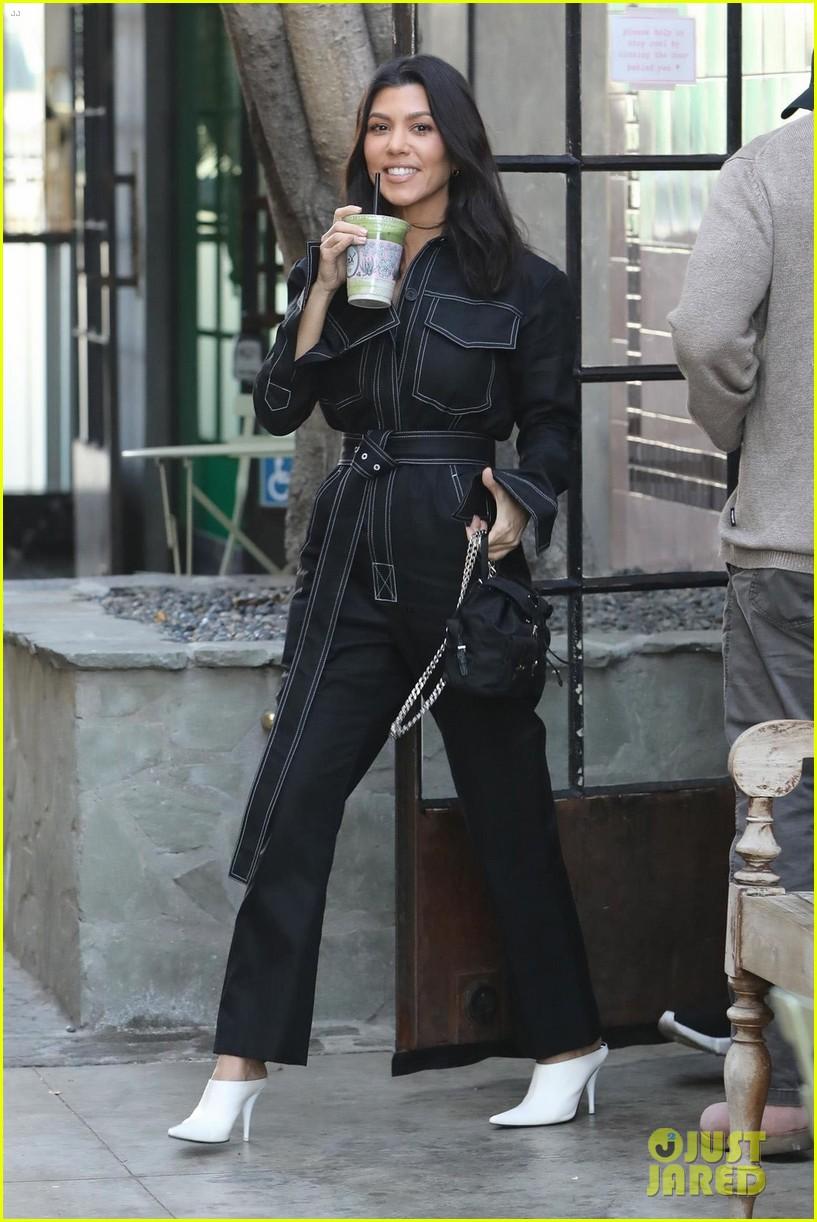 Kourtney Kardashian Makes Shopping Stop For New Nieces Photo