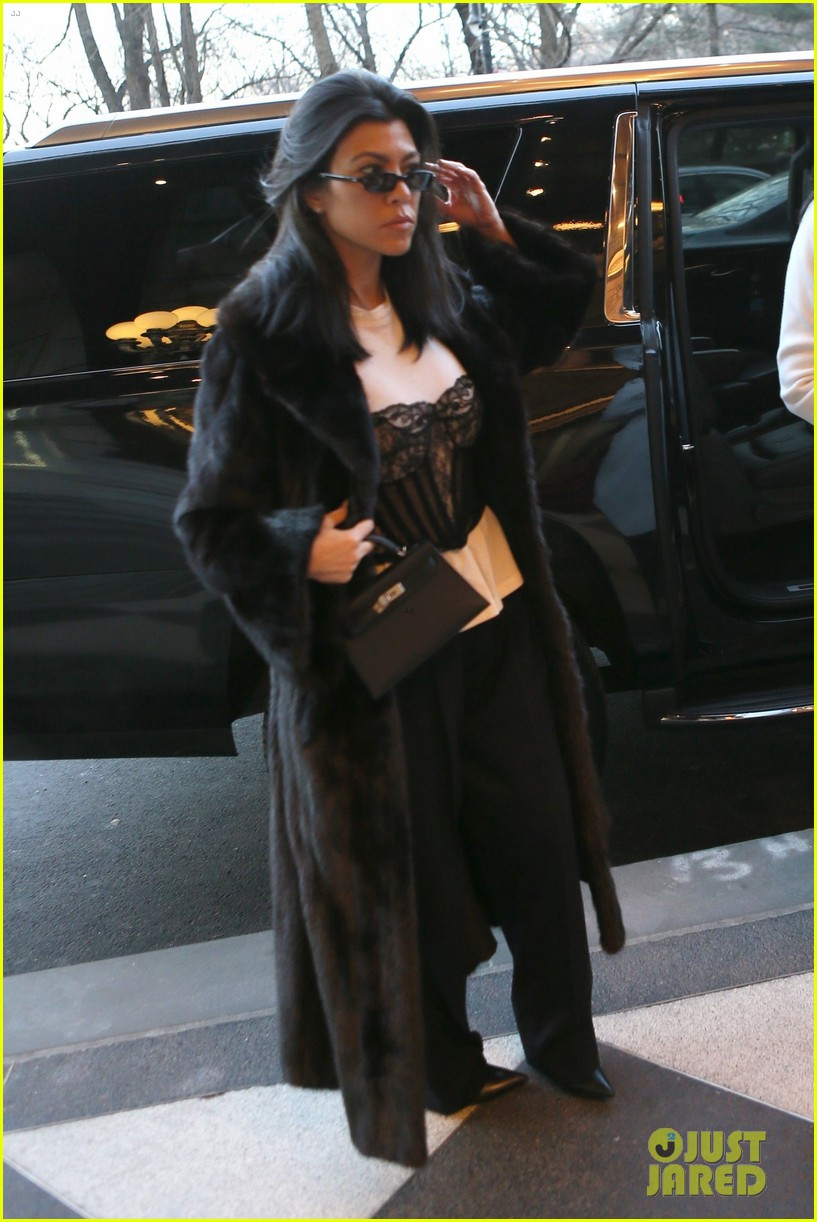 kourtney kardashian takes penelope north breakfast at tiffanys 014027189