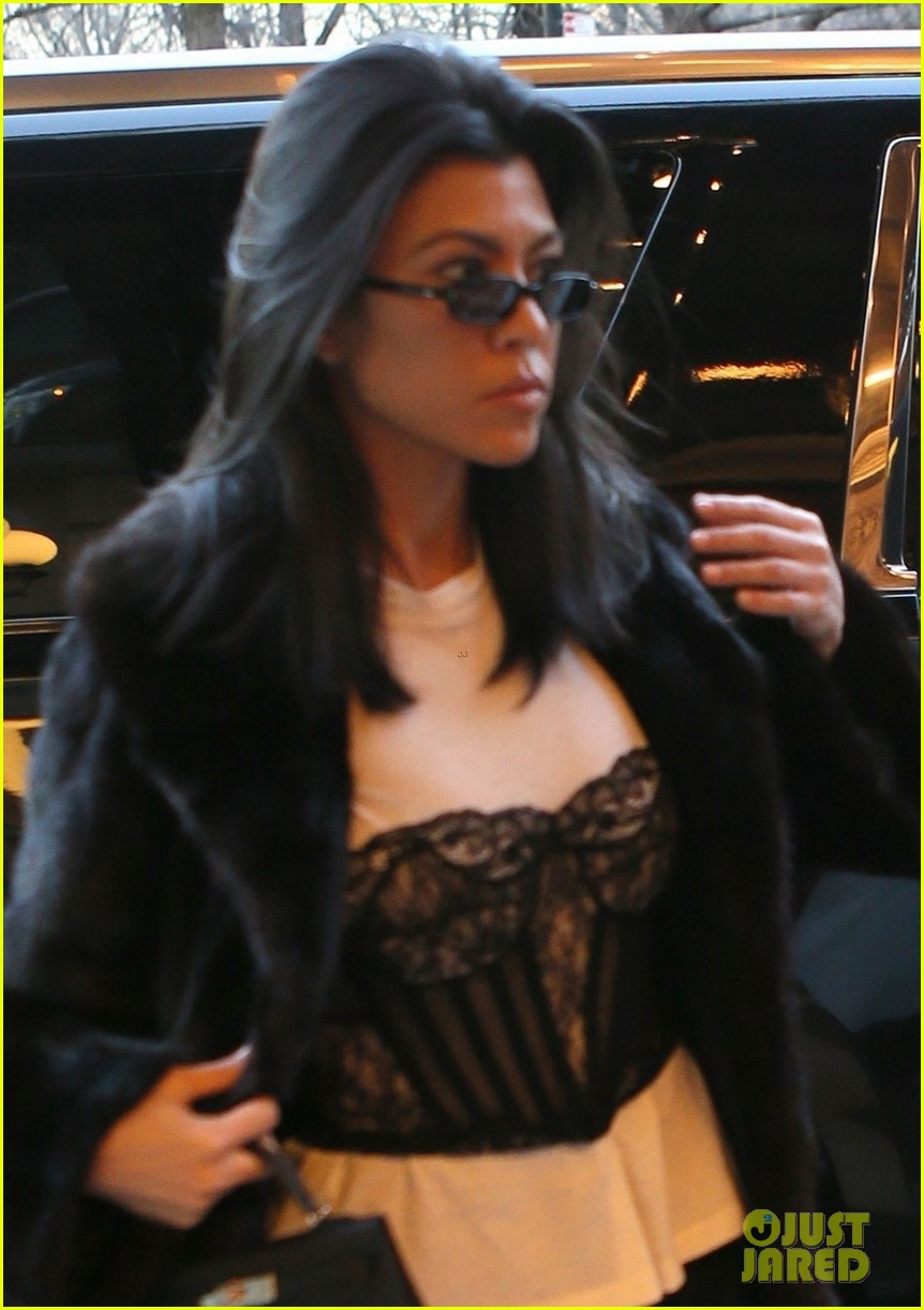 kourtney kardashian takes penelope north breakfast at tiffanys 024027190
