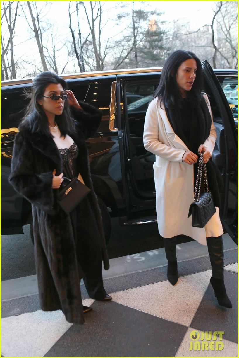 kourtney kardashian takes penelope north breakfast at tiffanys 034027191