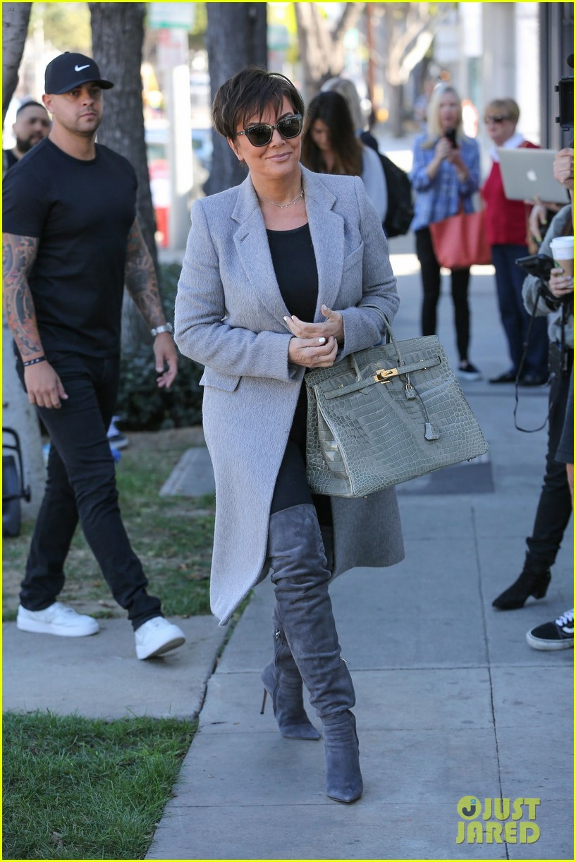 kris jenner scott disick shopping for art 054034489