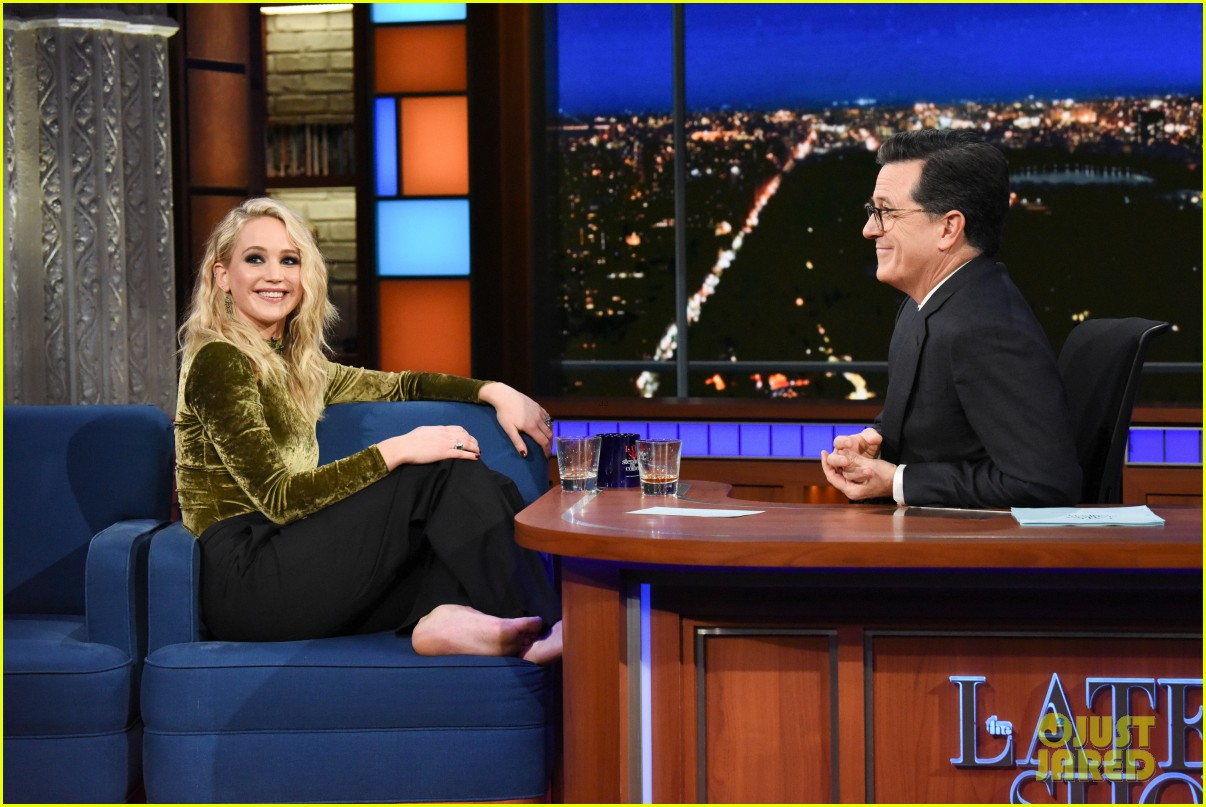 jennifer lawrence blasts horrible harvey weinstein with stephen colbert 044040039