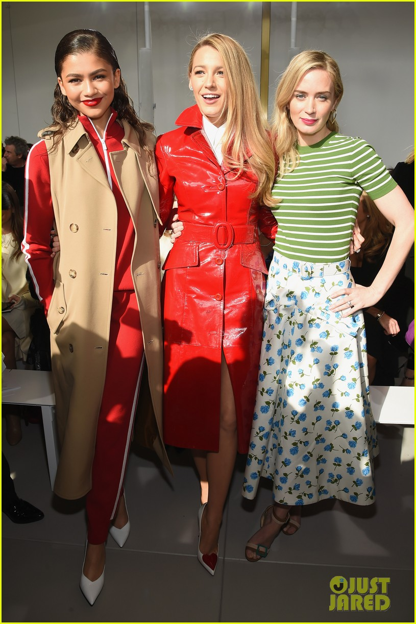 blake lively emily blunt zendaya buddy up at michael kors collection nyfw runway show 014032938